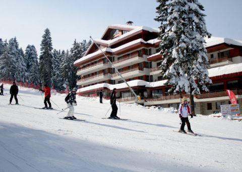Hotel-Yanakiev-Borovec-Zima-Bugarska-Ski-And-Sun