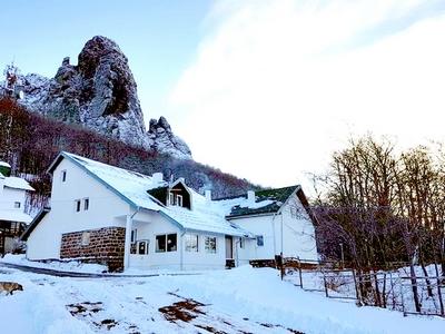 Planinarski dom Midžor-Stara-Planina-Zimovanje-Srbija-Skijanje-Ski-and-Sun