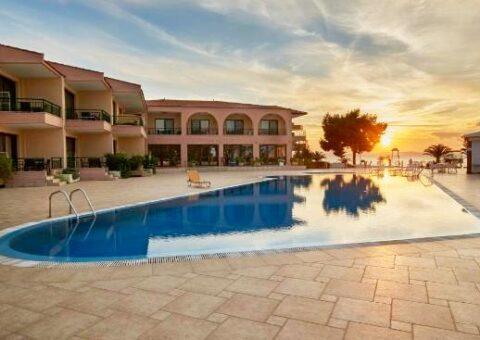 toroni-blue-seah-hotel-sitonija-grčka-leto-ski&sun-travel